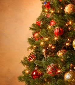 Vianočný stromček s kompletnou vianočnou výzdobou